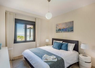 bed1-1-800x534