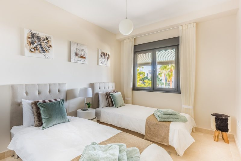 bed2-1-800x534